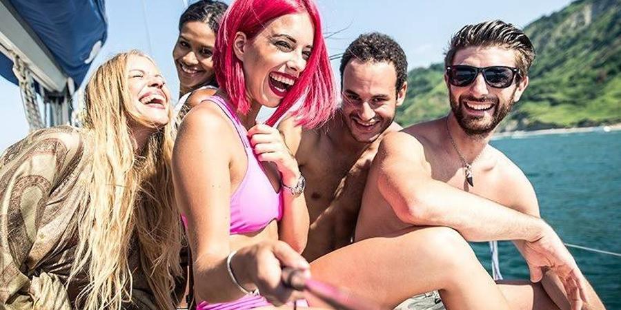 Organizamos las mejores Fiestas en Barco de MARBELLA Y MÁLAGA